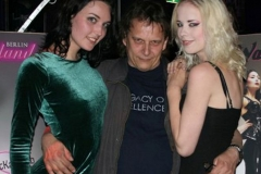 me being heavy, with dutch dame and lara